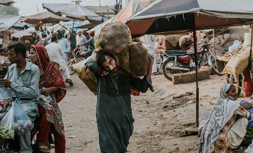 Pakistan | Lahore markt van Jaap Kroon