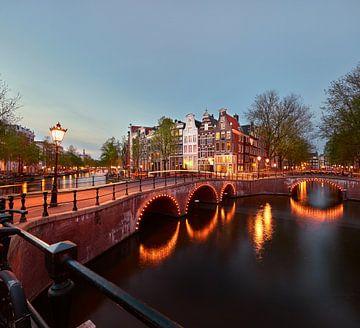Grachten von Amsterdam von Tom Bennink