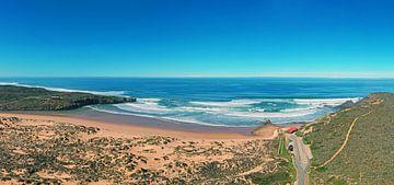 Panorama des Amoreira-Strandes an der Westküste Portugals von Nisangha Masselink