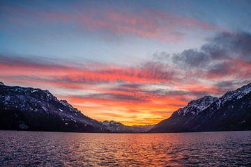 Sonnenuntergang Brienzersee van Fredy Jeanrenaud