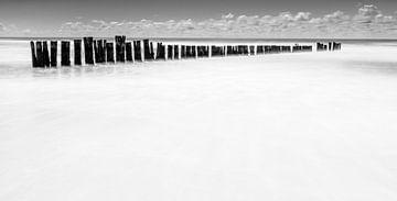 golfbreker in zee 4 van Peter Heins
