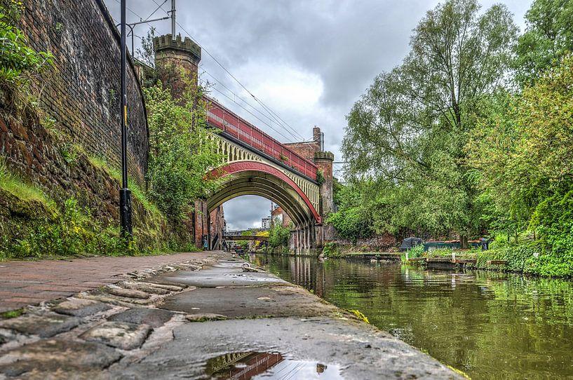 Spoorbrug over het Rochdale Canal, Manchester van Frans Blok