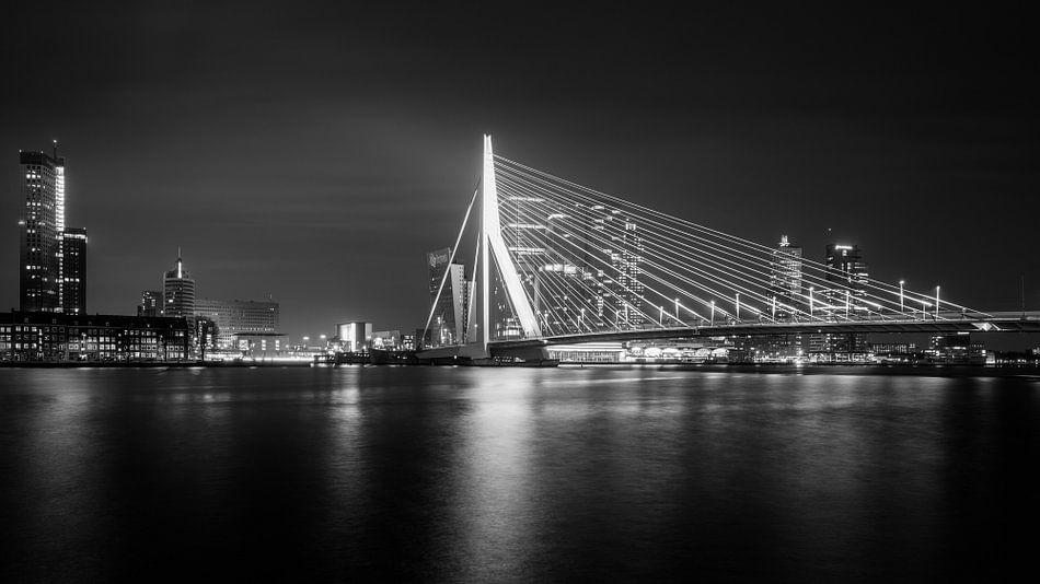Rotterdam Skyline II van Dennis Wierenga