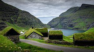 Dorpje Saksun,Faeröer van Dennis Wardenburg