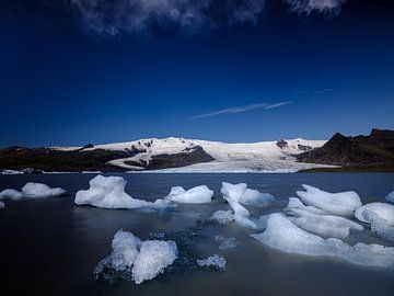 Jökulsárlón gletsjermeer, IJsland van Eddy Westdijk