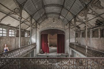 Bizarres Theater von John Noppen