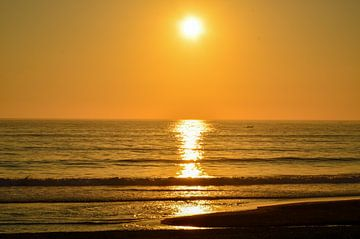 Sonnenuntergang am Meer von LuCreator