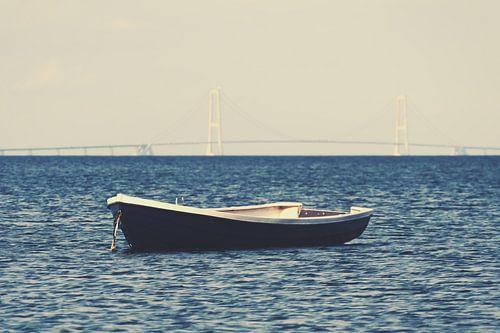 Storebælt-Brücke mit Boot von