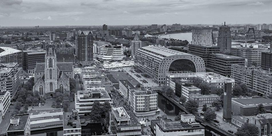 Uitzicht op de Markthal in Rotterdam vanaf de WTC toren