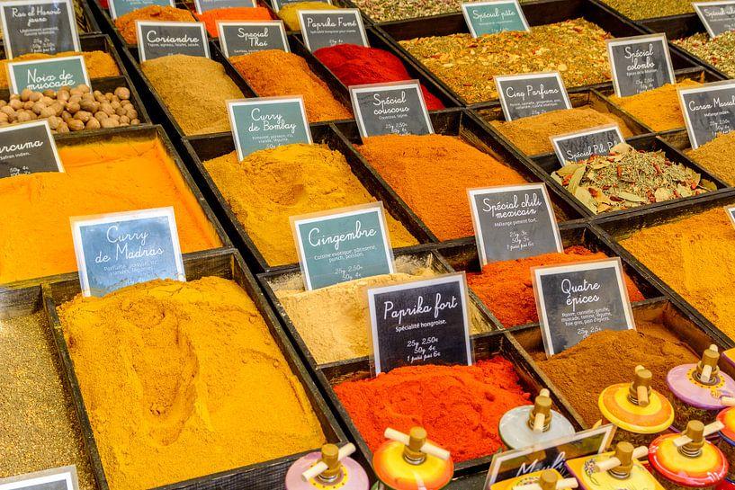 Specerijen op een markt in de Provence van 7Horses Photography