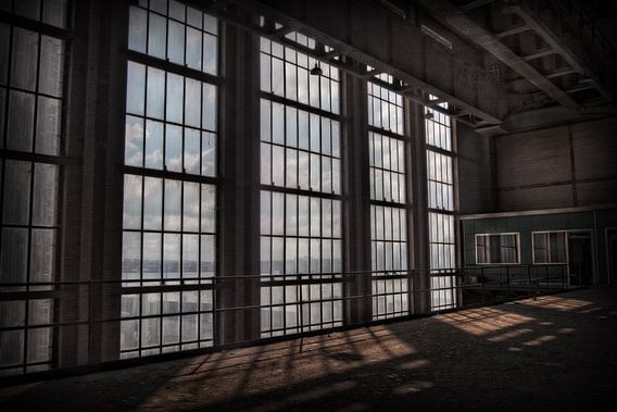 Verlaten energiecentrale 9