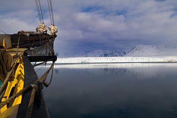 Gletsjer op Spitsbergen van Marieke Funke