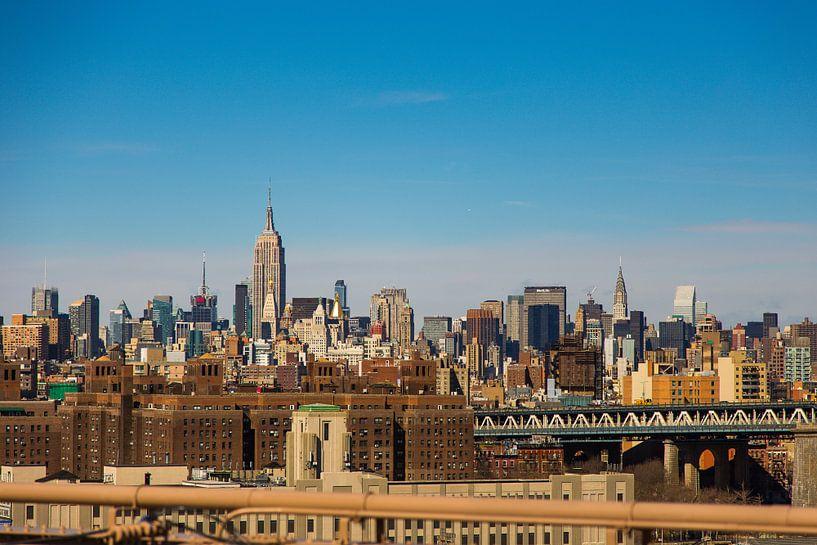 Manhattan skyline vanaf Brooklyn bridge van Sjoerd Tullenaar