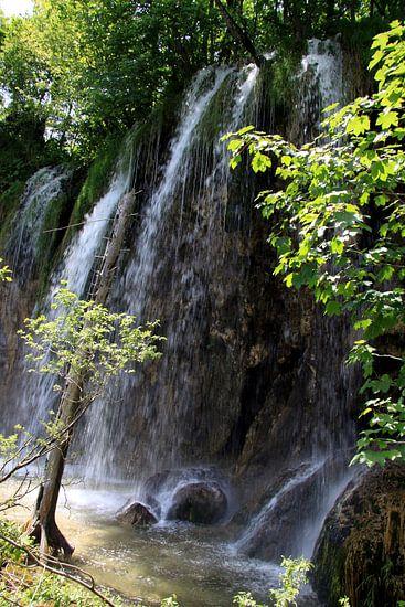 Wasserfälle im Nationalpark Plitvicer Seen, Kroatien van Renate Knapp