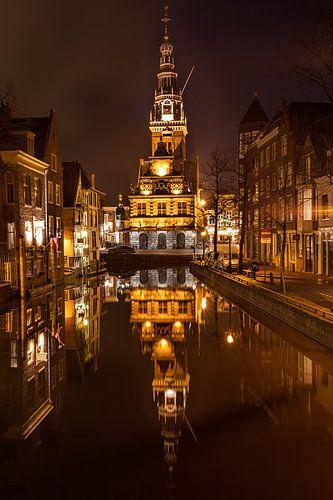 De Waagtoren Alkmaar weerspiegeling