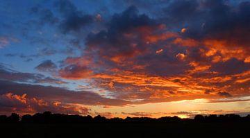 Farbliche Sonnenuntergang von Caroline Lichthart