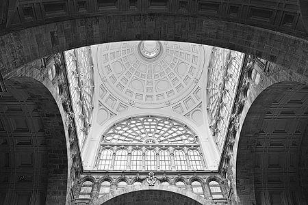 Antwerp Central von Sonny Dimaculangan