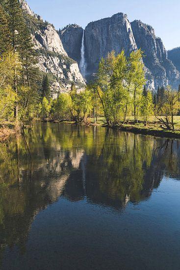 Yosemite Falls weerspiegeling