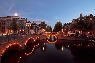 Amsterdam bij nacht aan de Keizersgracht van Nisangha Masselink