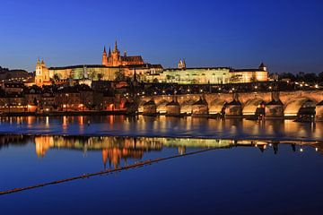 Prag - Moldau, Karlsbrücke, Altstadt und Burg von Frank Herrmann