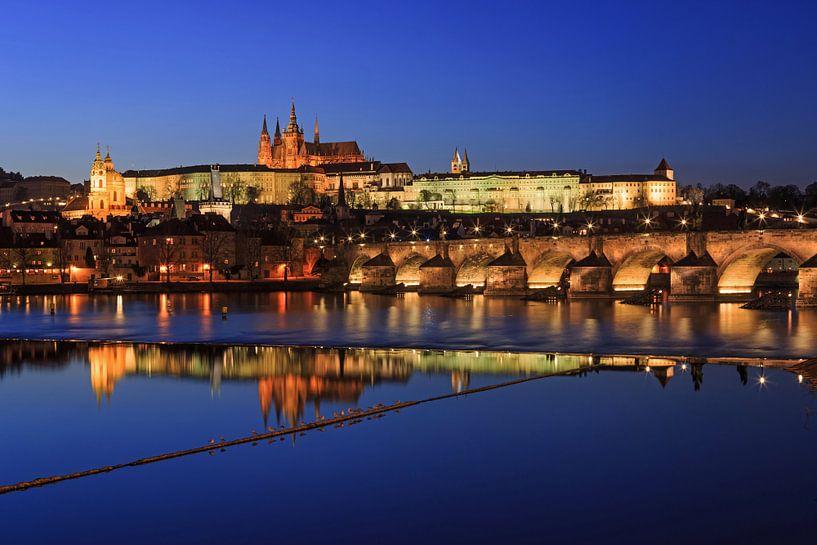 Praag - Vltava-rivier, Karelsbrug, oude stad en kasteel van Frank Herrmann