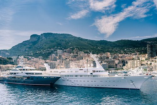 Luxe boten in de haven van Monaco