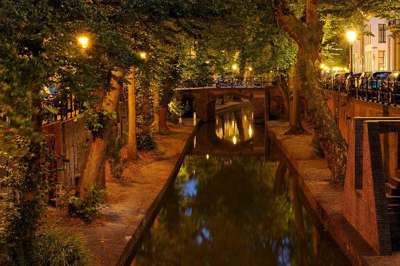 Nieuwegracht in Utrecht tussen de Brigittenbrug en de Quintijnsbrug van Donker Utrecht
