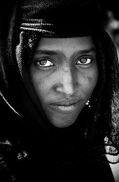 Blinking eyes. van Ton Bijvank