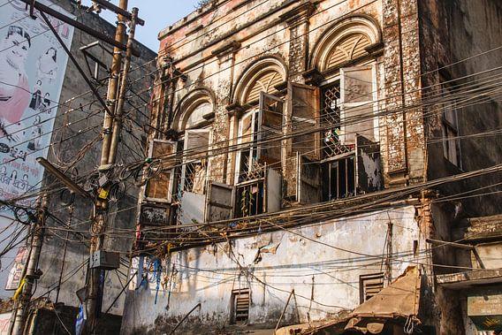 Vervallen pand in Old Dhaka, Bangladesh