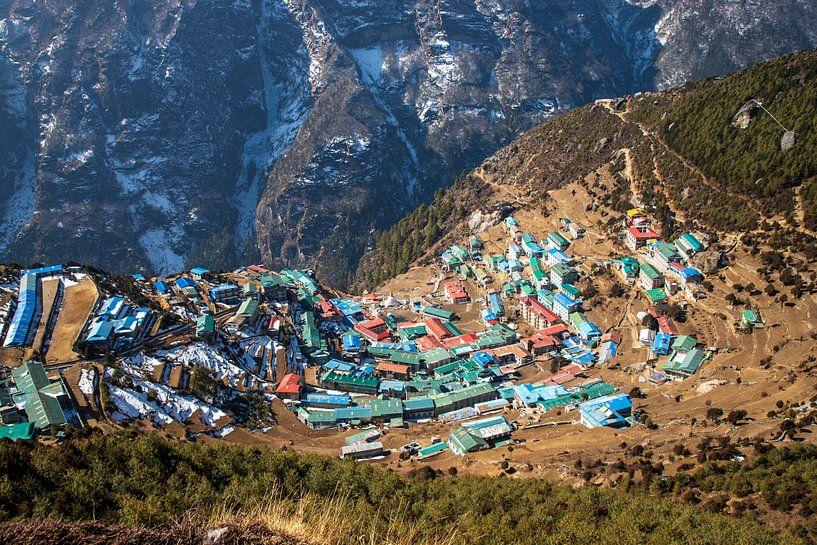 Namche Bazaar, Sagarmatha National Park, Nepal van Ton Tolboom