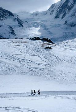 Wanderer in den Winteralpen von Ralph Rozema
