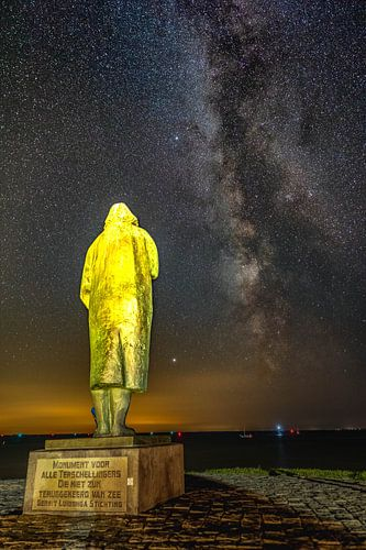Het drenkelingen monument met de melkweg