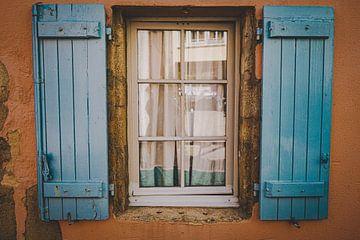 Blauwe luiken van Daphne Groeneveld