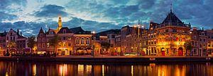 Panorama aan de Spaarne te Haarlem in de nacht van