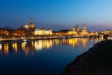 Dresden Blick auf die Stadt am Abend von Erik Vergunst