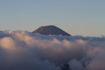 Bromo vulkaan bij zonsopkomst van Jeroen Meeuwsen
