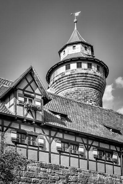 NUREMBERG Castle Sinwell Tower | Monochrome van Melanie Viola