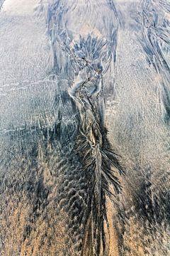 abstractie op het strand van Ko Hoogesteger