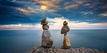Zen, gestapelde stenen en zonsondergang van Jenco van Zalk