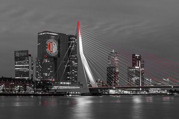 Feyenoord projectie op 'De Rotterdam' Black and white von Midi010 Fotografie