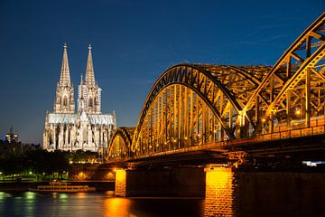 Köln am Abend sur davis davis