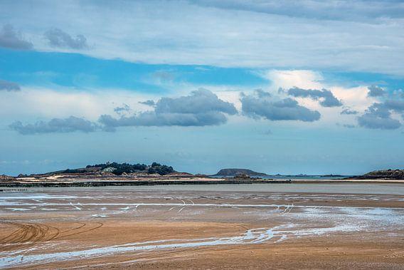 De baai van St Jacut de la Mer-Bretagne - Frankrijk van Harrie Muis
