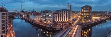 Panorama de la Friedrichsstraße de Berlin à l'heure bleue sur Jean Claude Castor