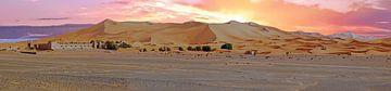 Panorama van de Erg Chebbi woestijn in Marokko bij zonsondergang van