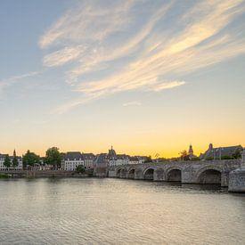 Zomeravond in Maastricht van Michael Valjak