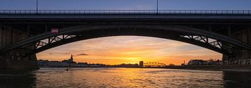 Waalbrücke bei Sonnenuntergang von Jeroen Lagerwerf