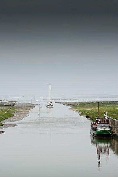 Boot het wad op Noordpolderzijl van Geertjan Plooijer