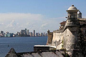 San Pedro de la Roca Schloss mit der Skyline von Havanna. von