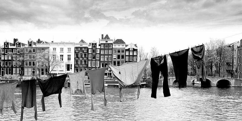 Drogend wasgoed, Amsterdam (zwart-wit) van Rob Blok