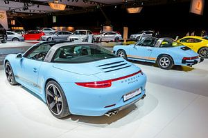 Porsche 911 Targa 4S Sportwagen und klassischer Porsche 911 Targa